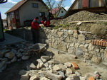 Oporný múr s plotom Važec